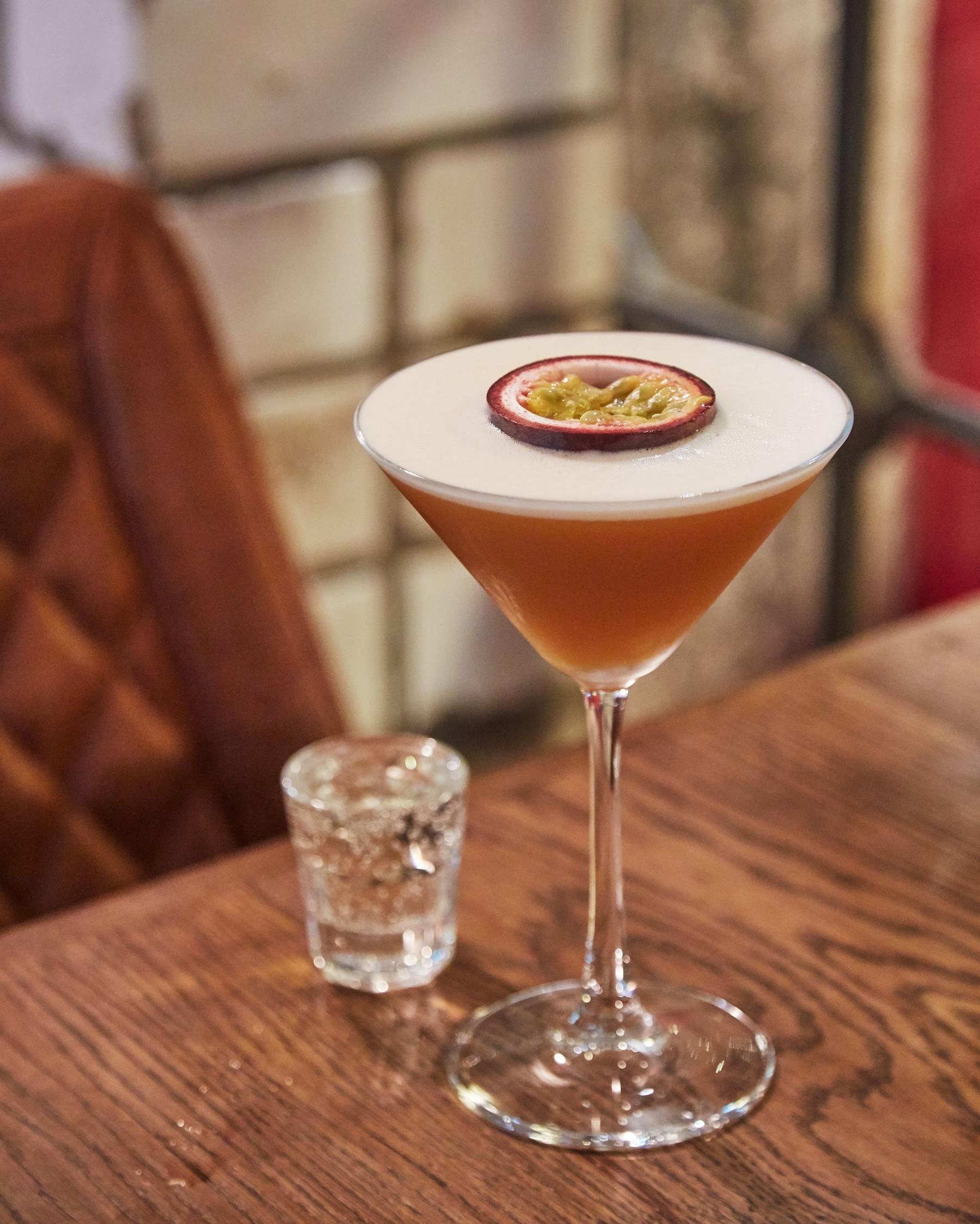 Clancys Bar Cork cocktails dancing
